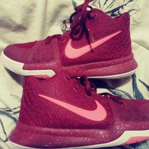 Kids Kyri Irving nike basketball shoes
